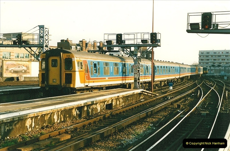 1998-03-28 Waterloo, London.  (6)049