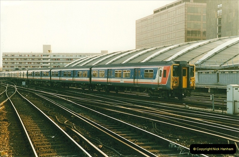1998-03-28 Waterloo, London.  (7)050