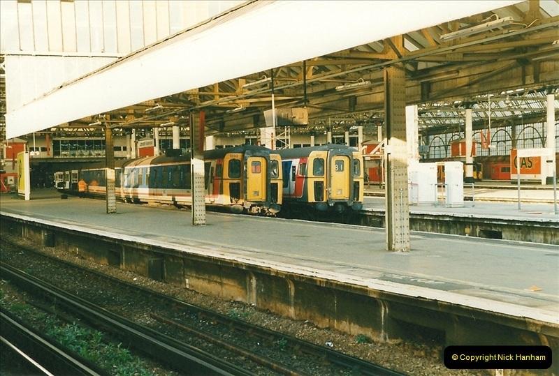 1998-03-28 Waterloo, London.  (8)051