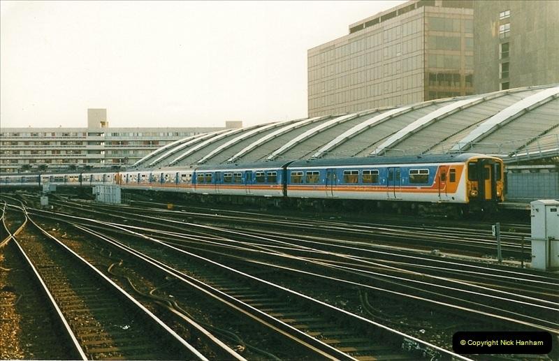 1998-03-28 Waterloo, London.  (9)052