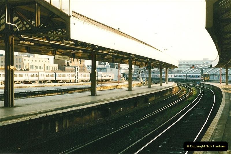 1998-03-28 Waterloo, London.  (13)056
