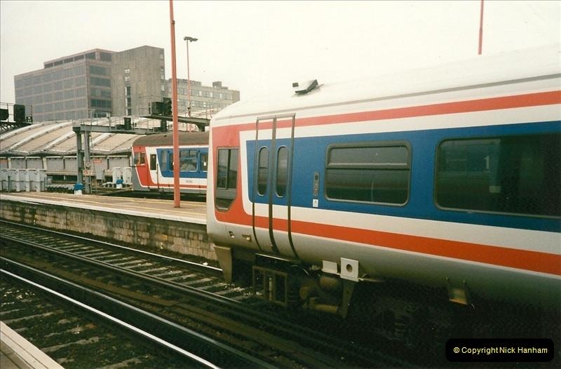 1998-03-28 Waterloo, London.  (18)061
