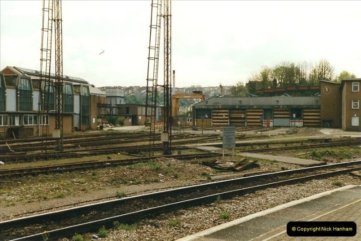 1999-04-24 Bristol Temple Meads, Bristol.  (74)177