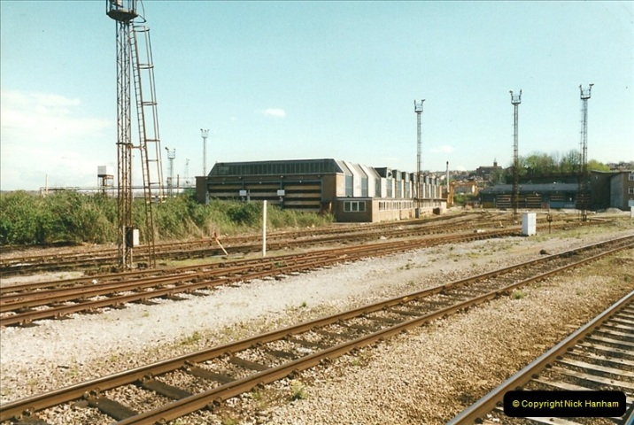 1999-04-24 Bristol Temple Meads, Bristol.  (75)178