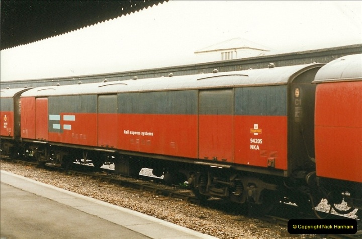 1999-04-25 Bristol Temple Meads, Bristol.  (1)182