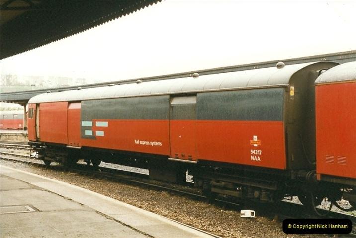 1999-04-25 Bristol Temple Meads, Bristol.  (2)183
