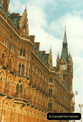 2000-01-14 London.  (17)214