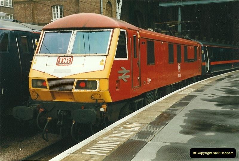 2000-01-14 London.  (23)220