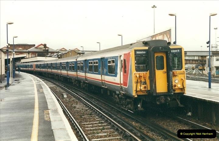 2000-02-08 Clapham Junction, London.  (2)229