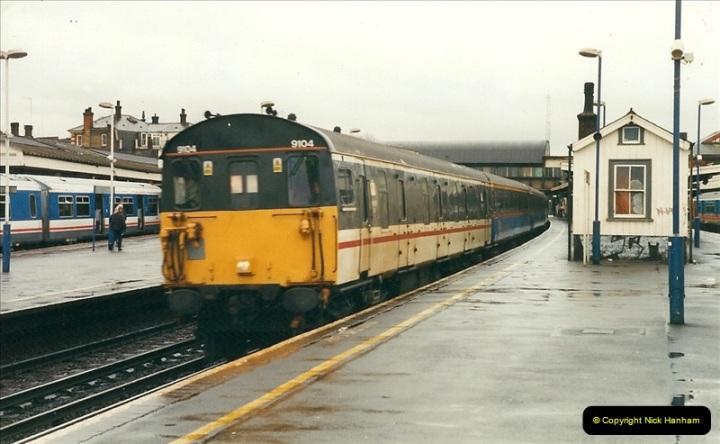 2000-02-08 Clapham Junction, London.  (3)230