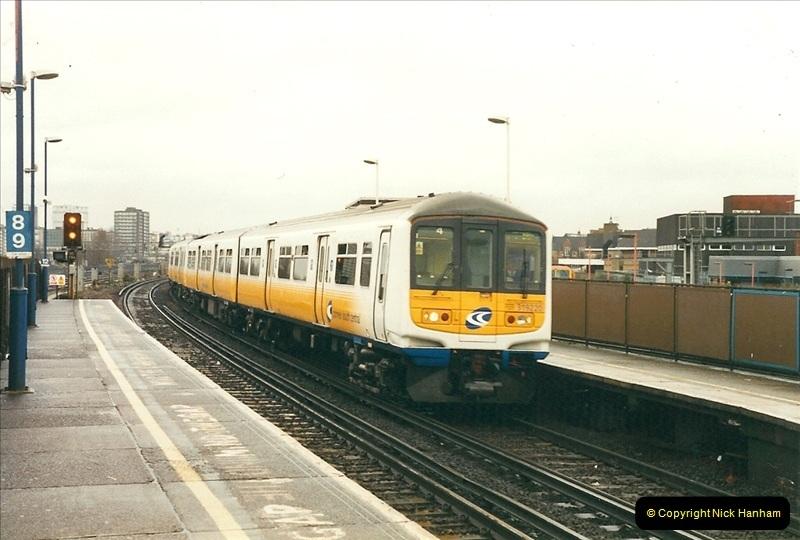 2000-02-08 Clapham Junction, London.  (11)238