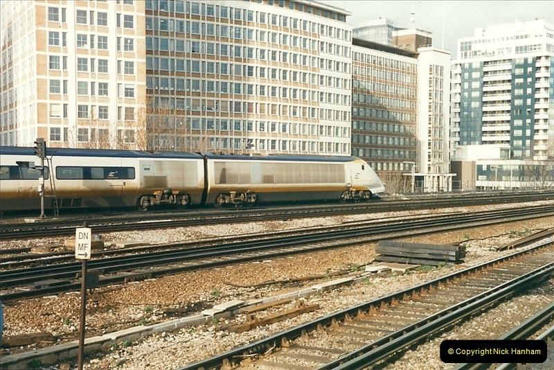 2000-02-08 Vauxhall, London.  (12)250
