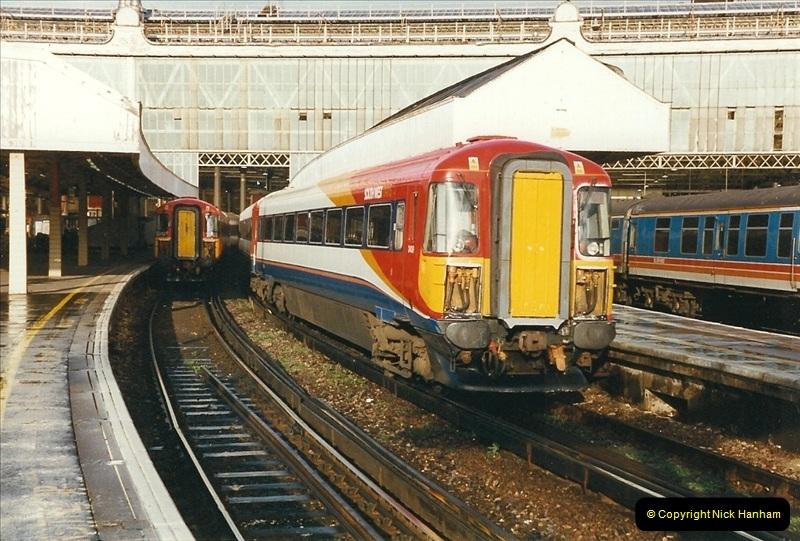 2000-02-09 London stations.  (11)261