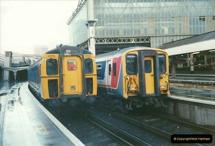 2000-02-09 London stations.  (12)262