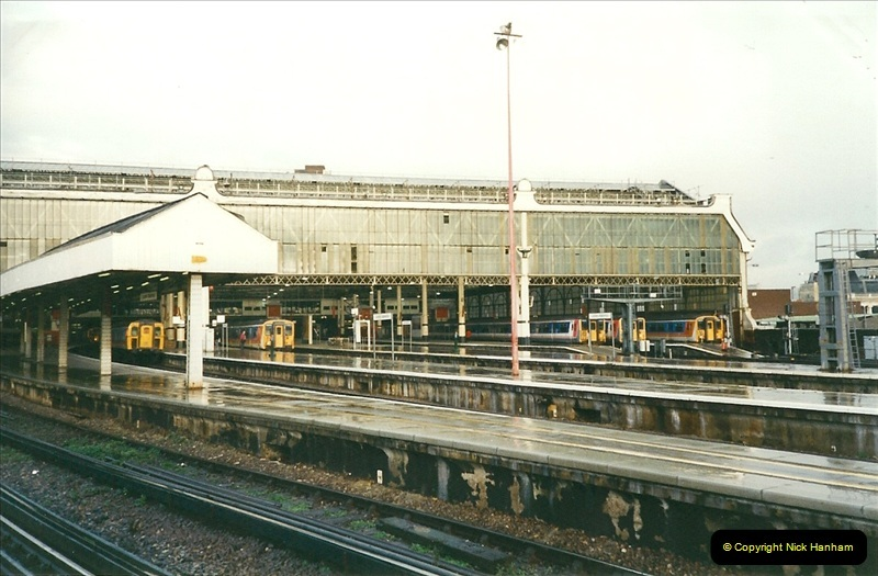 2000-02-09 London stations.  (14)264