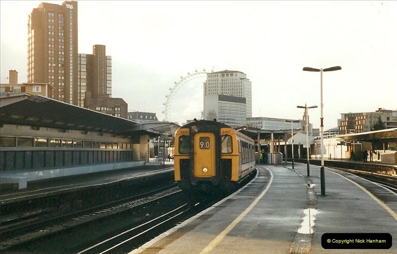 2000-02-09 London stations.  (16)266