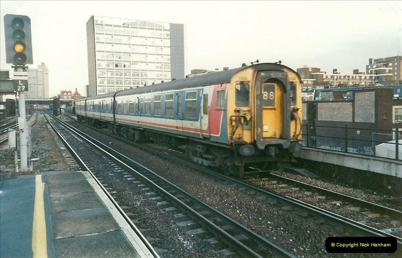 2000-02-09 London stations.  (20)270