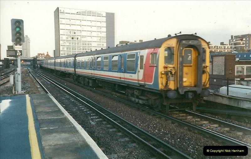2000-02-09 London stations.  (21)271