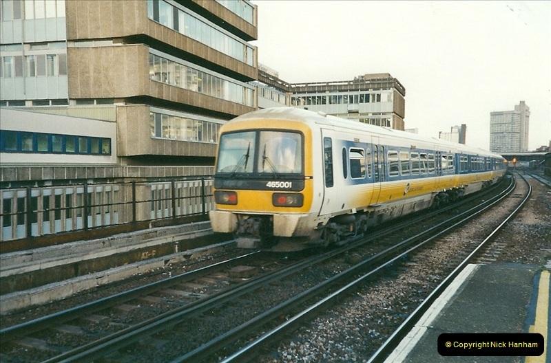 2000-02-09 London stations.  (22)272