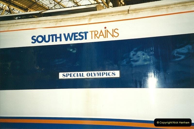 2000-02-09 London stations.  (25)275