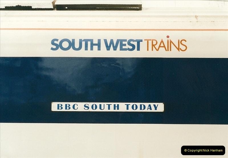 2000-02-09 London stations.  (26)276