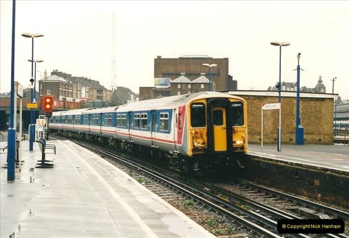 2000-04-04 London stations.  (1)280