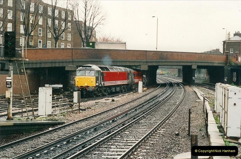 2000-04-04 London stations.  (2)281