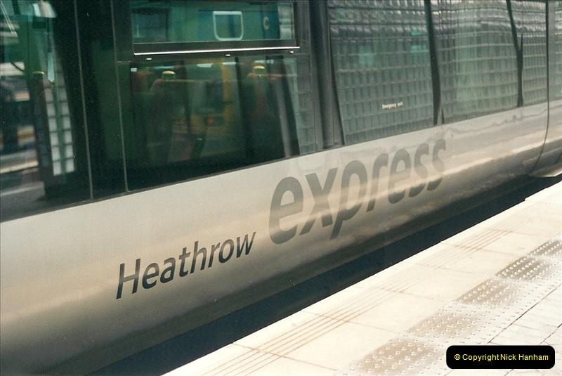2000-04-04 London stations.  (8)287