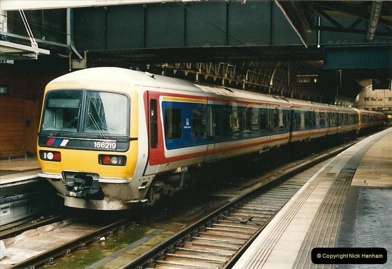 2000-04-04 London stations.  (12)291
