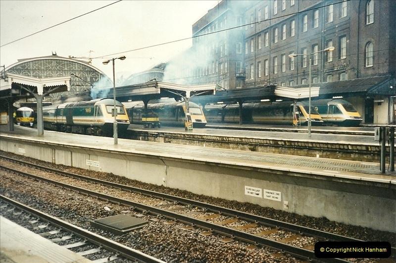 2000-04-04 London stations.  (17)296