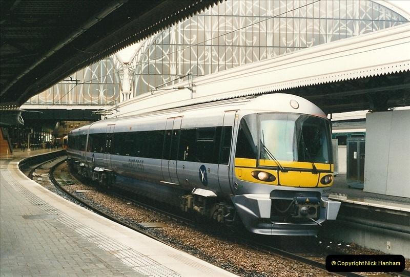 2000-04-04 London stations.  (18)297