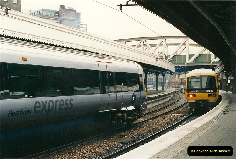 2000-04-04 London stations.  (20)299