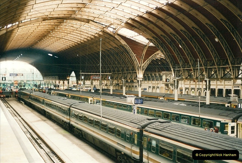 2000-04-04 London stations.  (21)300