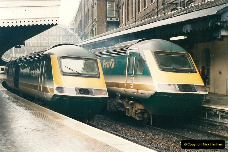 2000-04-04 London stations.  (23)302