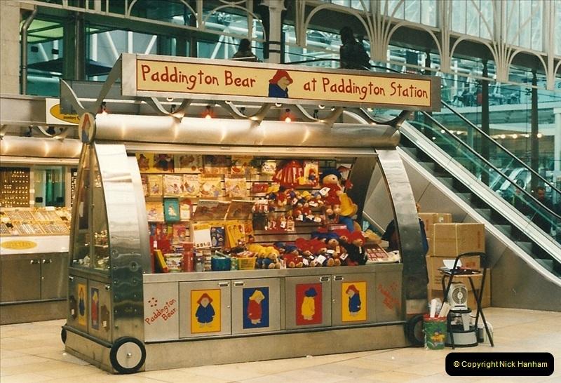 2000-04-04 London stations.  (26)305