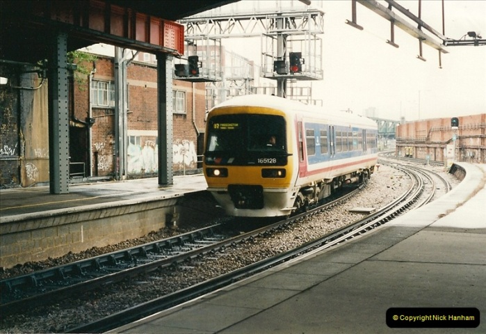 2000-04-04 London stations.  (28)307