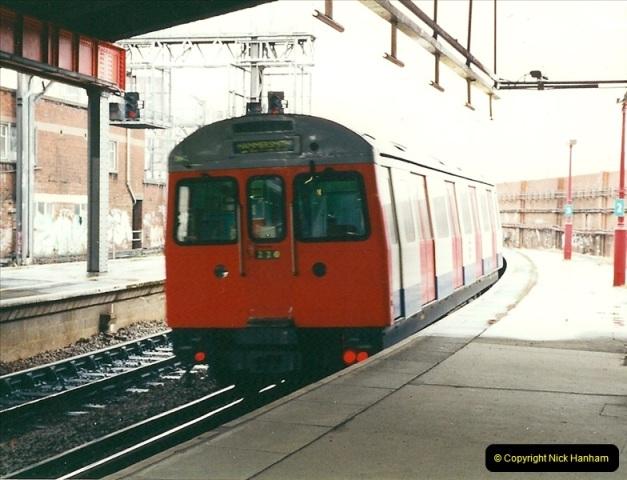 2000-04-04 London stations.  (29)308