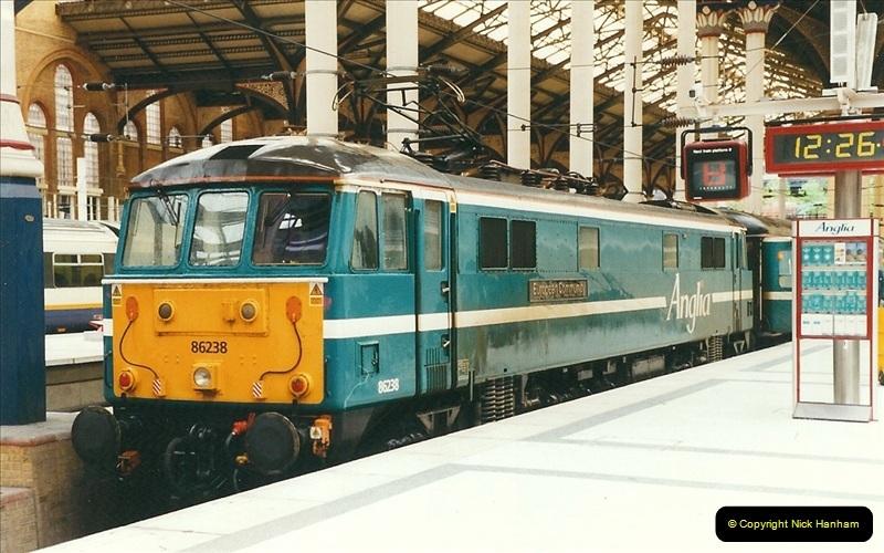 2000-04-04 London stations.  (31)310