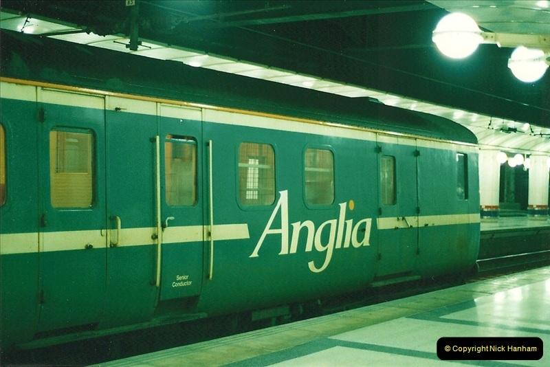 2000-04-04 London stations.  (35)314