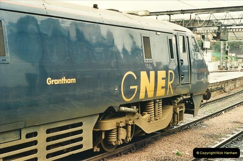 2000-04-04 London stations.  (48)327