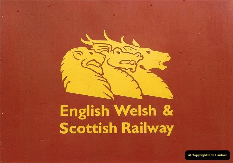 2000-04-04 London stations.  (52)331
