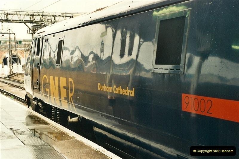 2000-04-04 London stations.  (53)332
