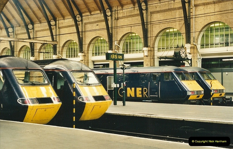 2000-04-04 London stations.  (58)337