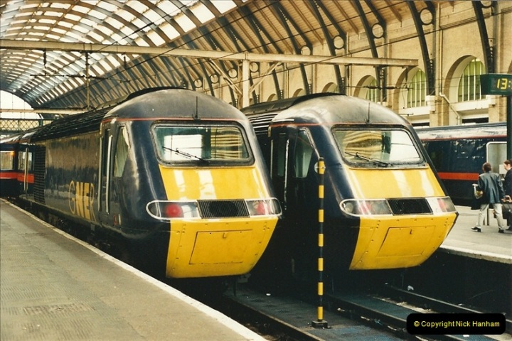 2000-04-04 London stations.  (59)338