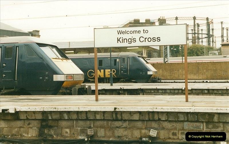 2000-04-04 London stations.  (63)342