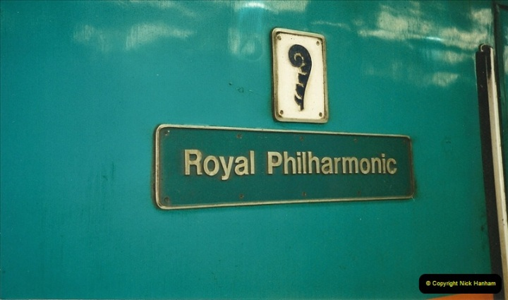 2000-04-04 London stations.  (67)346