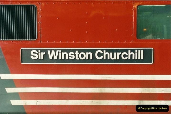 2000-04-25 London Euston.  (6)355