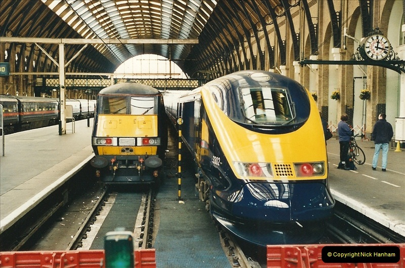 2000-04-25 London Kings Cross.   (2)358
