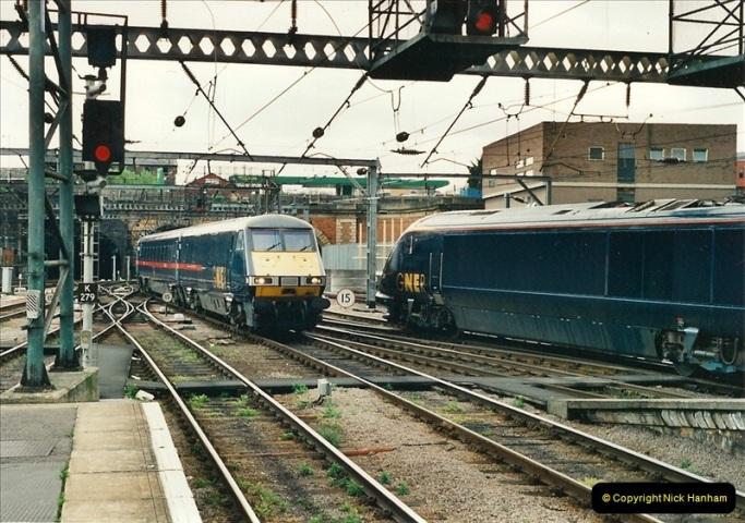 2000-04-25 London Kings Cross.   (7)363