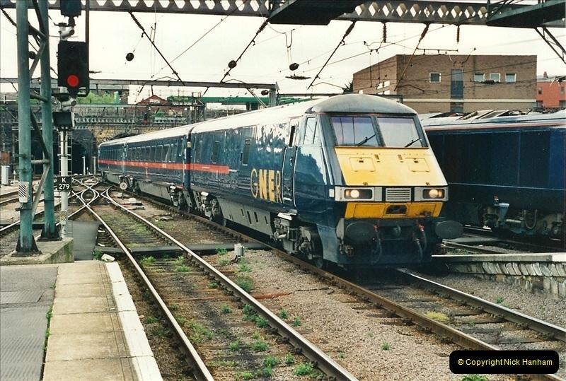 2000-04-25 London Kings Cross.   (8)364